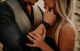 Seductive kiss